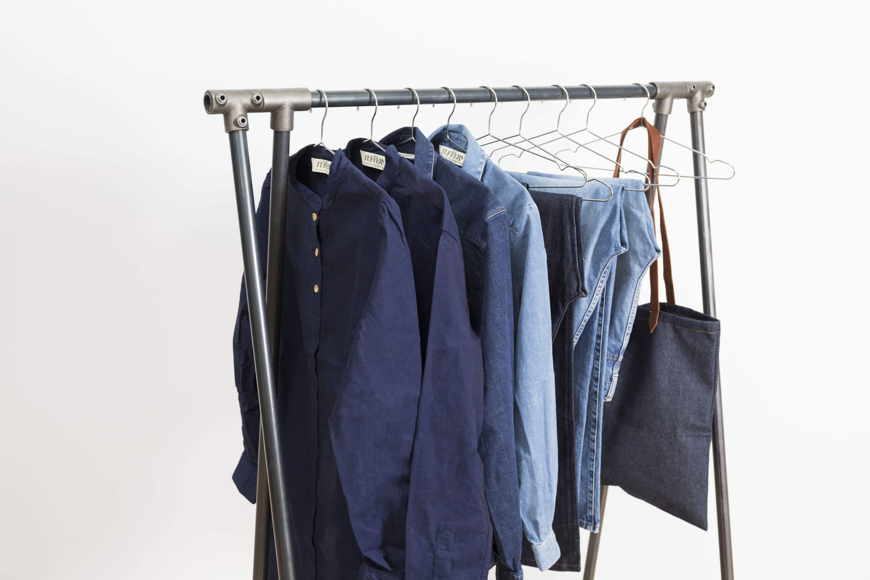 atelier tuffery portant acier atelier ripaton vêtements en jean